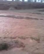 Лейлек районундагы Исфана-Кулунду жолун суу каптап, жол жүрүү кыйындады
